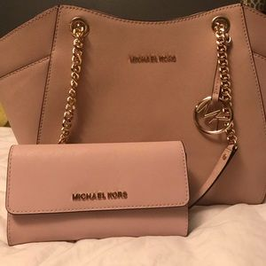 Michael Kors pink jet set travel